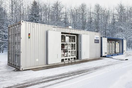 Gasolina sem petróleo: Primeiros 200 l feitos de CO2 e Energia solar - Combustível limpo